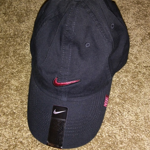 993f1f3a1c3  NWT  NIKE HERITAGE 86 BLACK HAT unisex